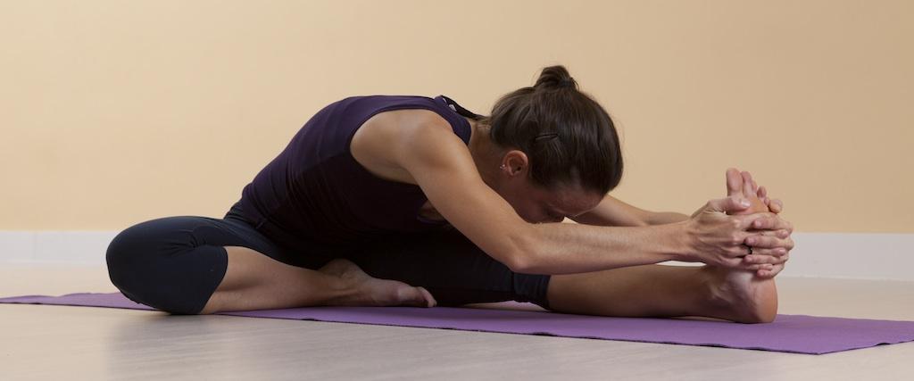 yoga-piernas-Media-Pinza