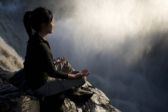 akirelax-meditando-tibet