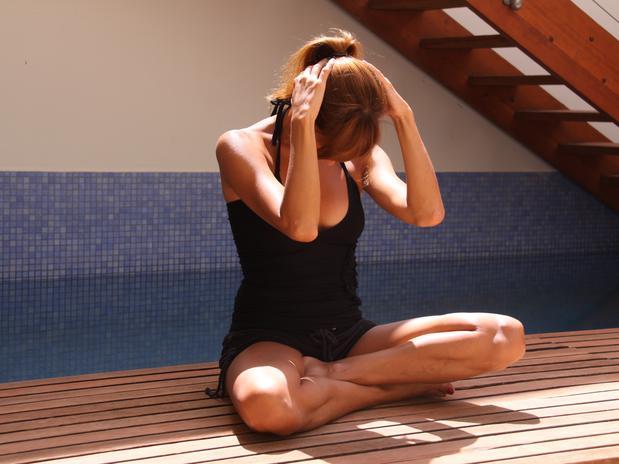 estiramiento-cervical-ejercicios-yoga