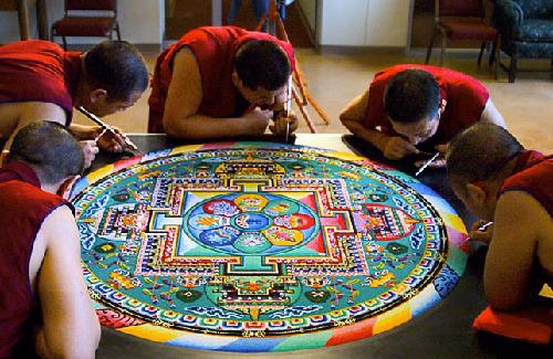 mandalas-orientas-hechos-monjes
