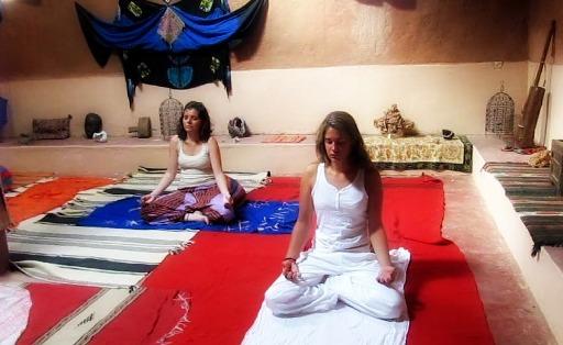 retiros-desierto-yoga