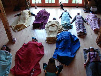 yoga-nidra-ayuda-dormir-relajar