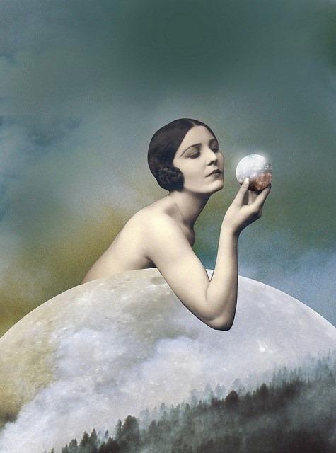 La diosa es una mujer que irradia luz