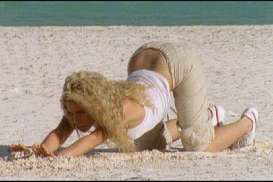 famosas-yoga-shakira-akirelax