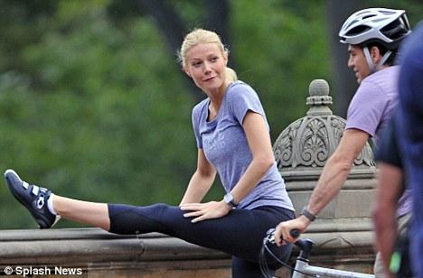 famosos-yoga-gwyne