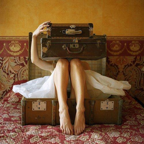 mujer-maleta-viajera