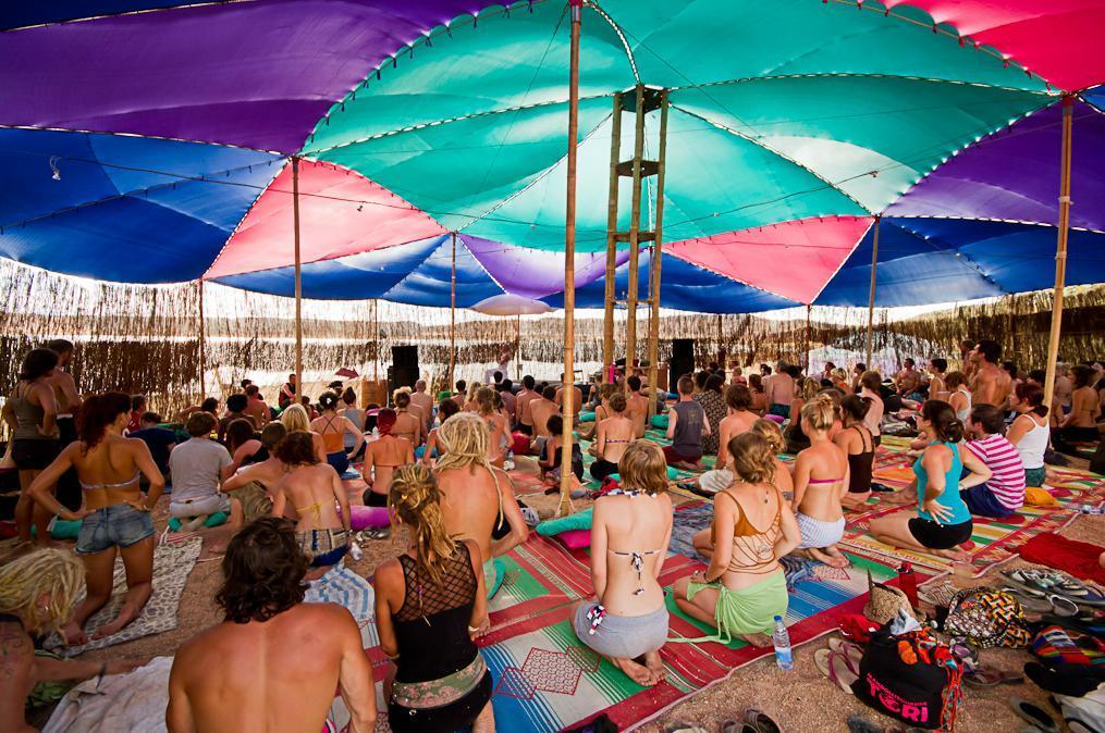 yoga-rave-fiesta-mantras