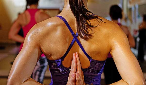 hot-yoga-bikram-ventajas-inconvenientes