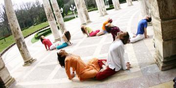 Ejercicios y posturas de Tantra Yoga para mejorar las relaciones