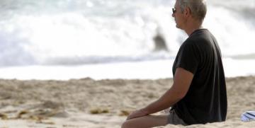 Imágenes de famosos que practican yoga